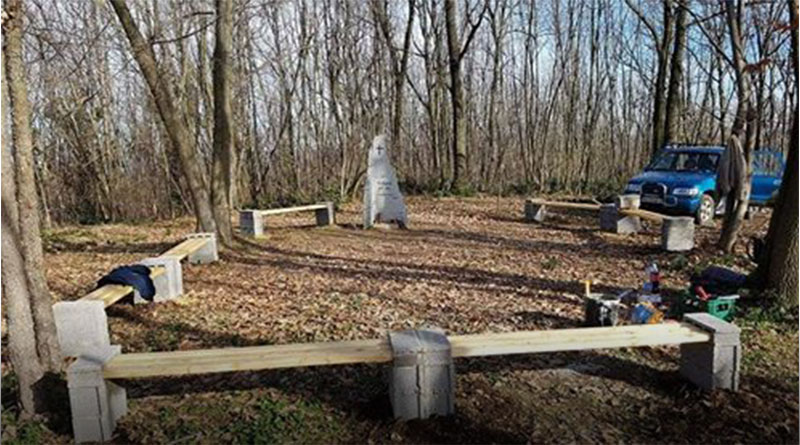 Uređenje oko spomenika na brdu Čovka