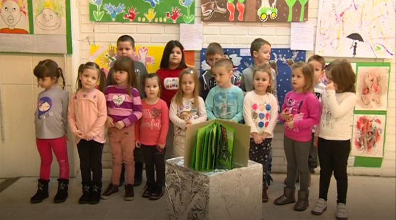 Izložba najmlađih iz predškolske ustanove ''Raša i Maša''