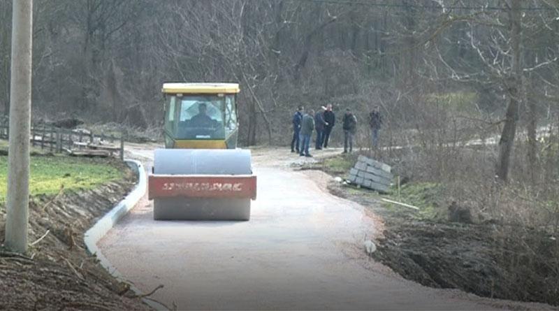 Asfaltiranje puta za Brkiće u selu Ratkovac