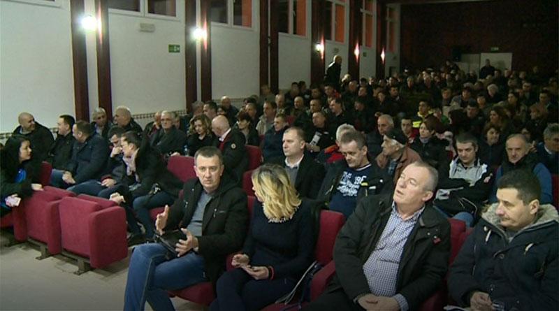 """Predstavljena lista SNS-a """"Zato što volimo Beograd - Aleksandar Vučić"""" u Rudovcima"""