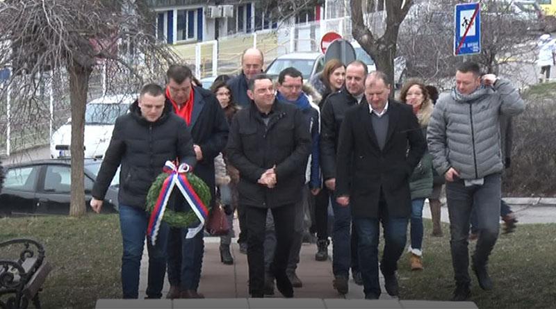 Ministar odbrane Aleksandar Vulin posetio Spomen kosturnicu