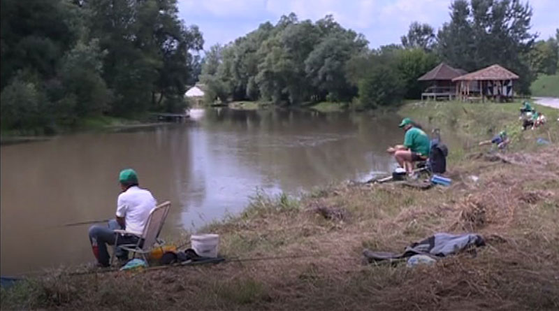 Takmičenje-u-pecanju-i-kuvanju-riblje-čorbe-1