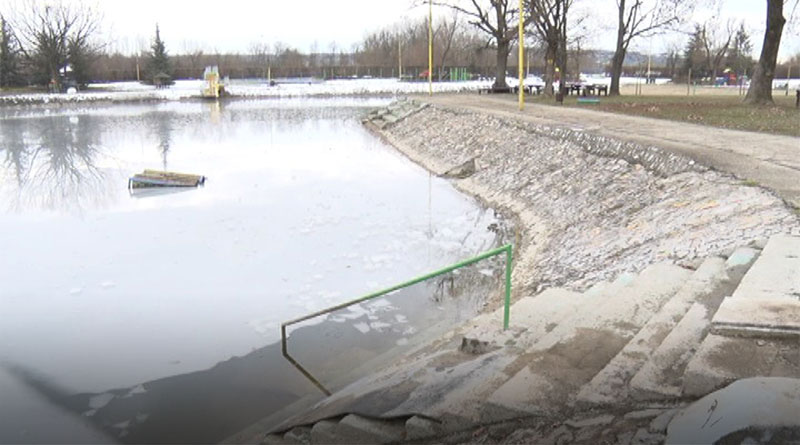 Otkazano plivanje za časni krst na jezeru Očaga zbog leda