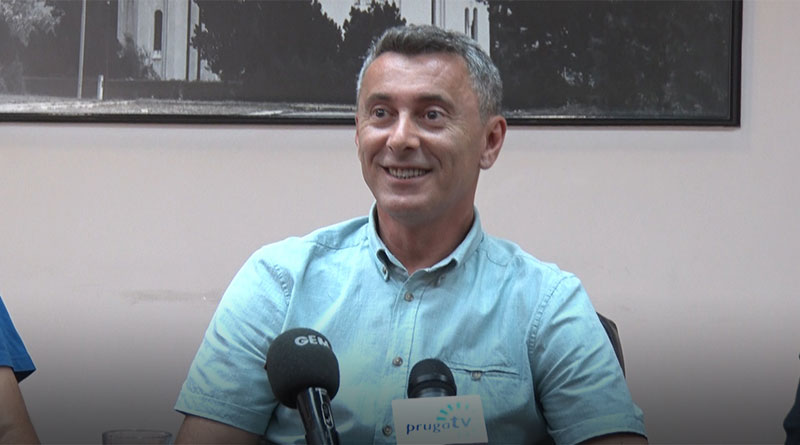 "Nenad Živanović, direktor Osnovne škole ""Vojislav Voka Savić"""