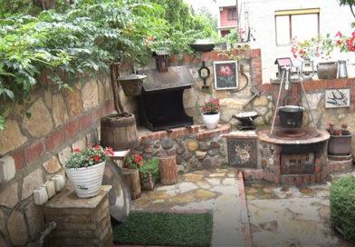 Stručna komisija počela obilazak 25 dvorišta koja učestvuju na konkursu za izbor najlepšeg dvorišta u Lazarevcu