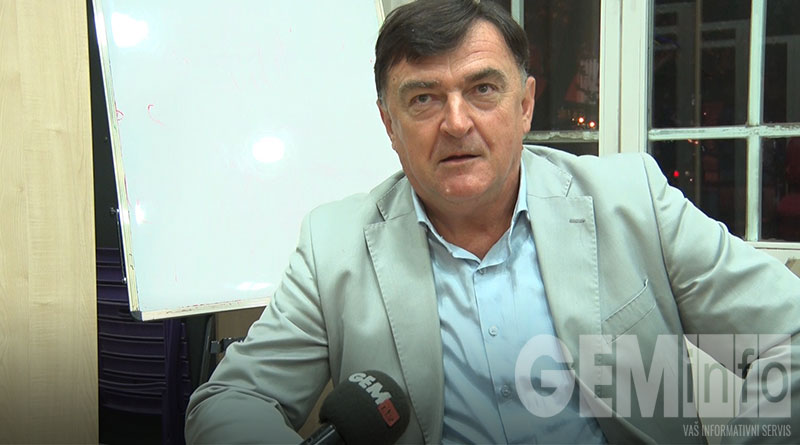 Ratko Vukelić, istoričar