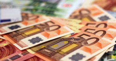 Izvršitelji uzimaju i pomoć od 100 evra i pored preporuke Komore da to ne čine?