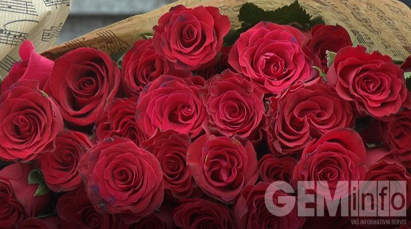 Podela ruža sugrađankama