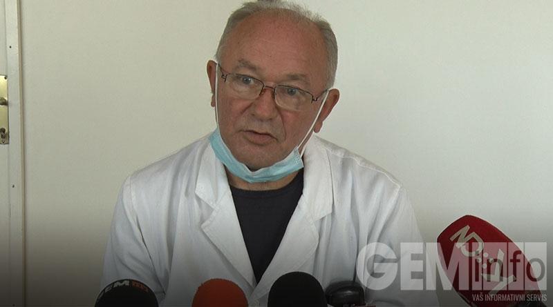 Dr Dušan Vujnović