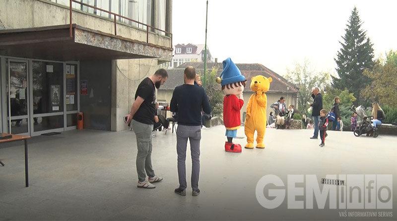 U Lazarevcu održan Humanitarni bazar za dve Minje