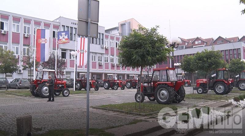 traktori 3