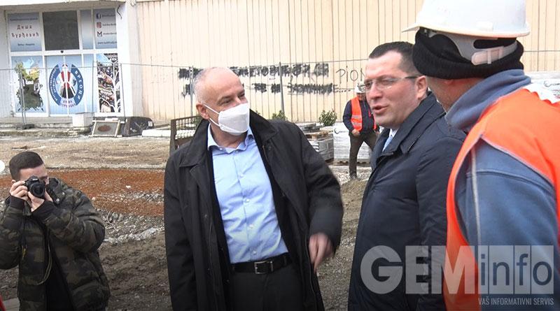 Radojičić i Stević obilaze izgradnju trga u Lazarevcu