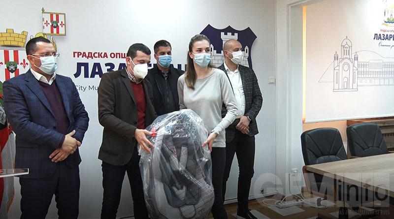Dodela auto-sedišta u opštini Lazarevac