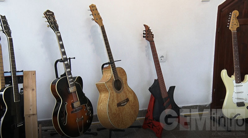 Izložba gitara