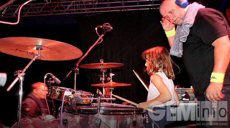 Mladi bubnjar Petar