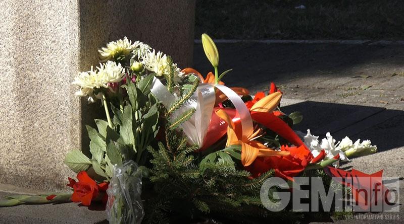 Venci na Spomenik Miloradu Labudoviću
